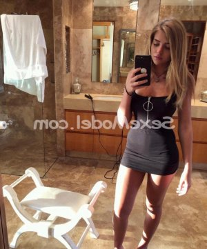 Safiye rencontre libertine massage sexy