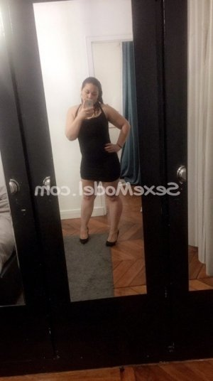 Mary-lise escort