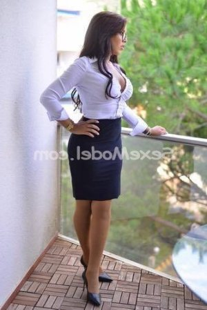 Nadjiba escort girl